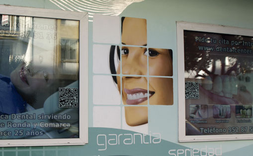 "Mural para ""Clínica Dental Center"""